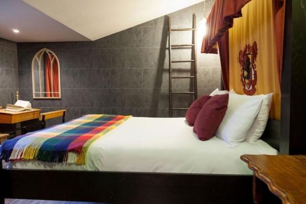 Gryffindor Dorm Room