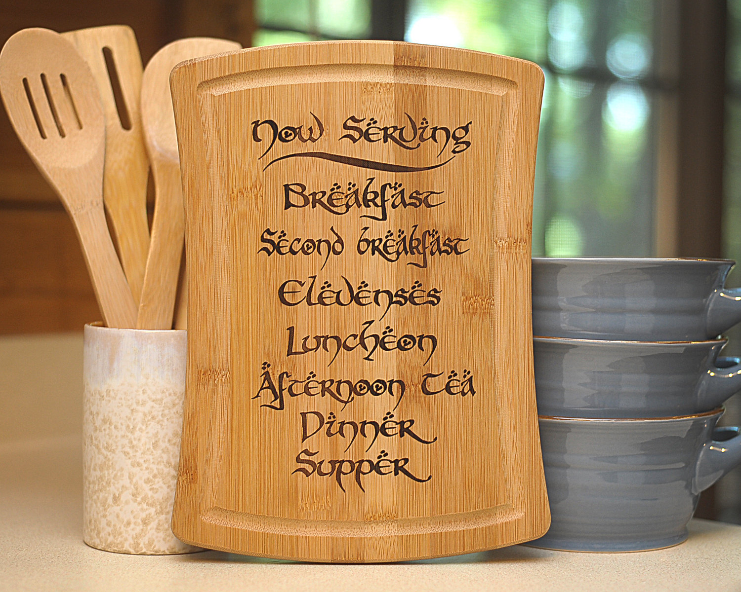 hobbit-meal-cutting-board