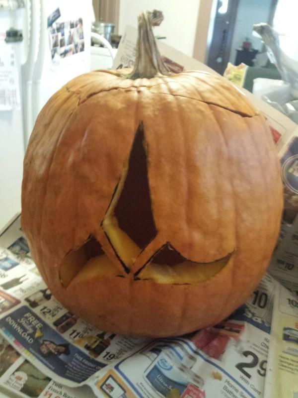 Klingon Insignia Pumpkin